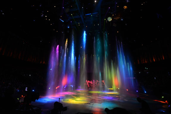 Guests of the 8th Asian Film Awards ceremony were entertained by a spectacular water show in the House of Dancing Water Theatre