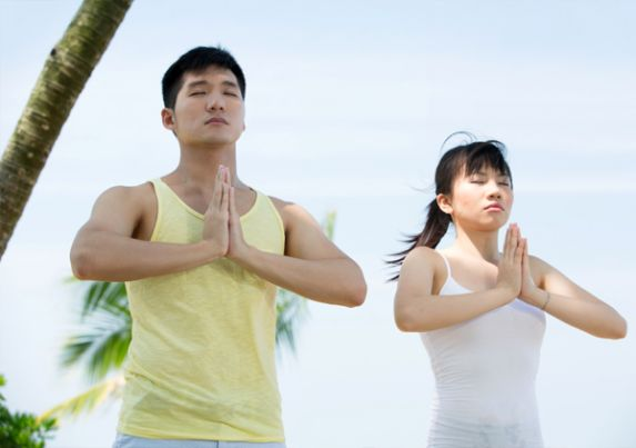 Yoga Crosses Cultures
